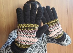10. Yan & Lei Women's Knitted Winter Gloves with Roll Up Cuffs
