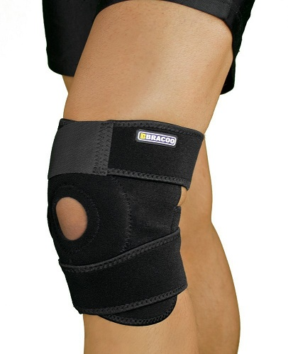 1. Bracoo Breathable Neoprene Knee Support