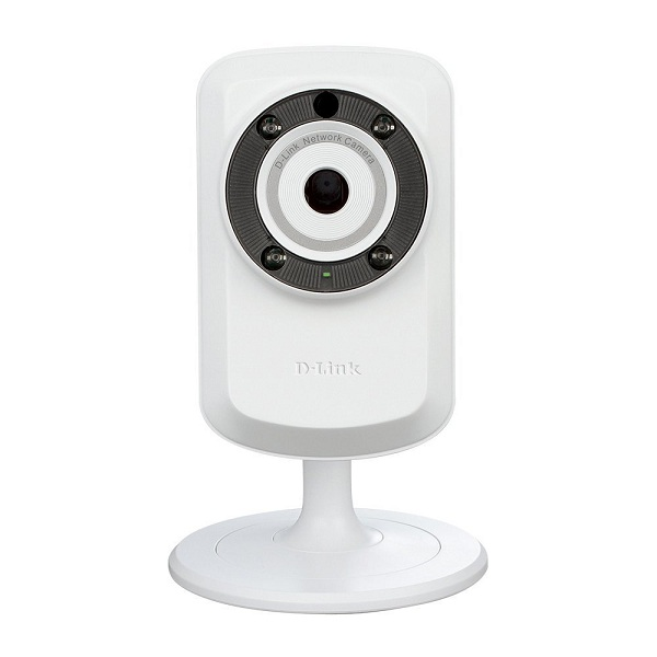 4. D-Link DCS-932L Day & Night Wi-Fi Camera