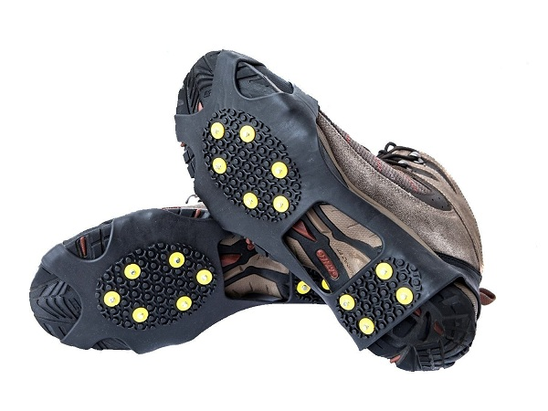 9. OuterStar Ice & Snow Grips Over Shoe Boot Traction Cleat Rubber Spikes