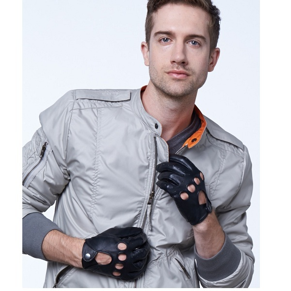 4. Pratt and Hart Traditional Leather Driving Gloves
