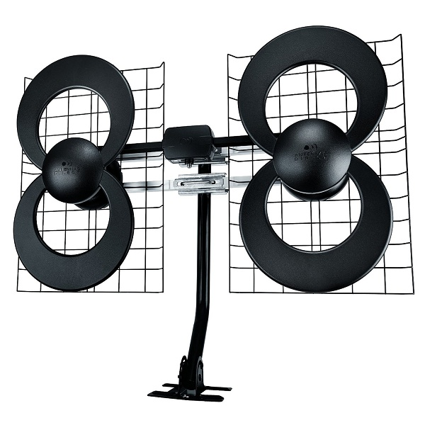 5. ClearStream 4 IndoorOutdoor HDTV Antenna