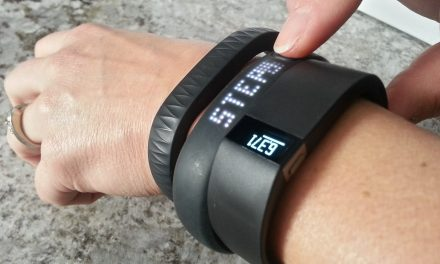 Top 10 Best Activity Trackers for Fitness of 2018